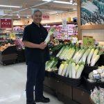 福島市内のスーパー「イトーヨーカドー」で福島県産農産物を購入