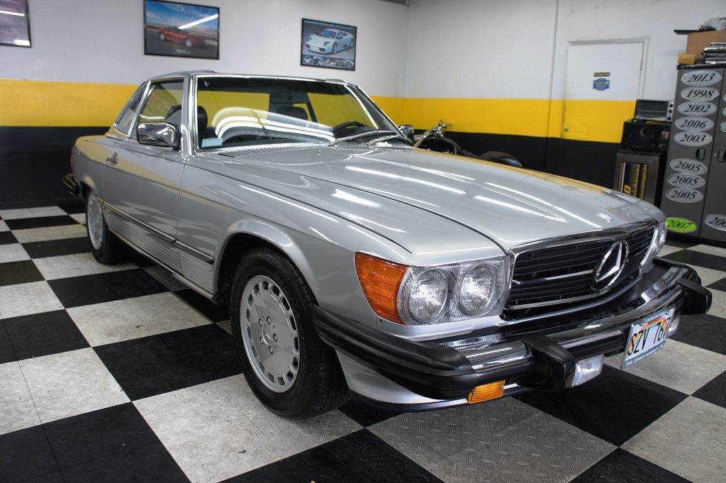 1988 Mercedes-Benz 560の写真